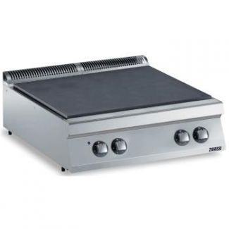 Electric stove with seamless hotplate